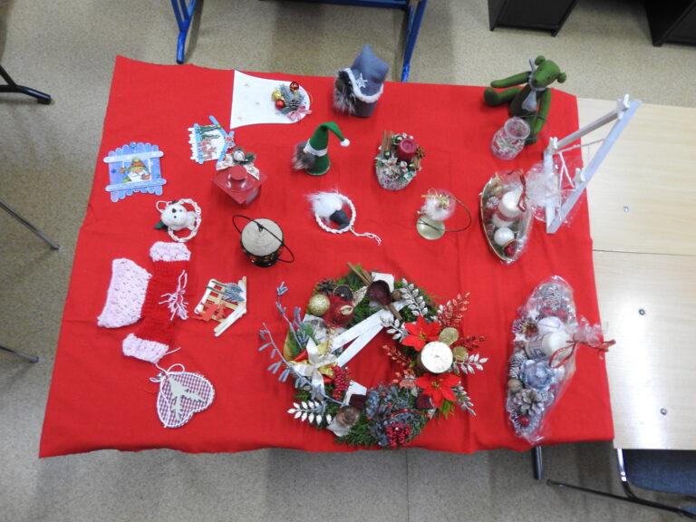 Licytacja ozdób bożonarodzeniowych na cele charytatywne